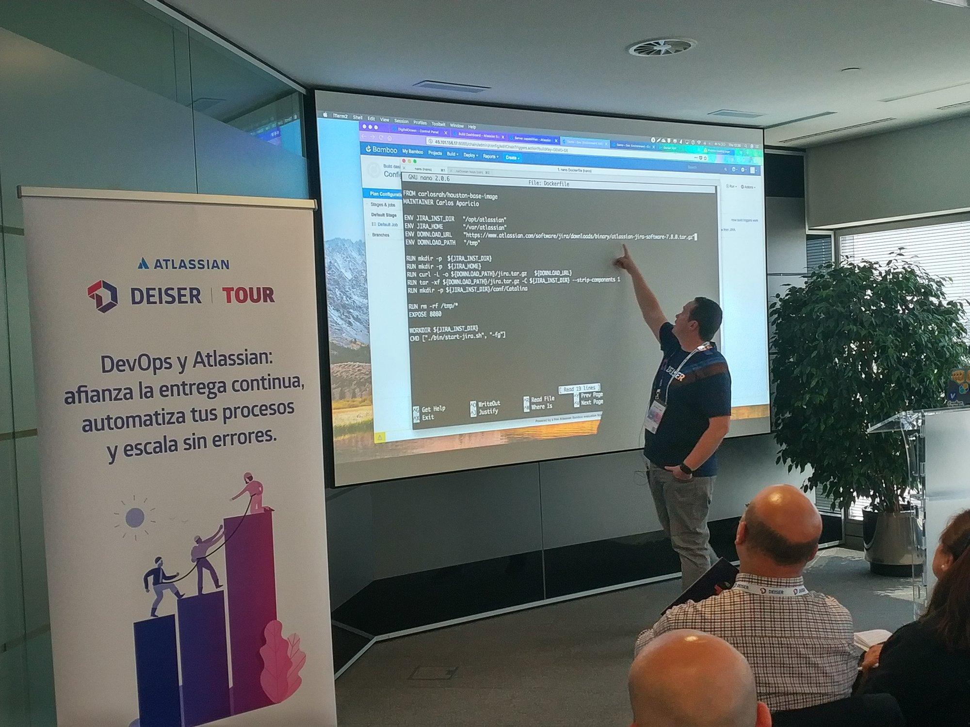 Charlie, experto en Atlassian Data Center explica cómo configurar la base de un código con Bamboo y Docker.